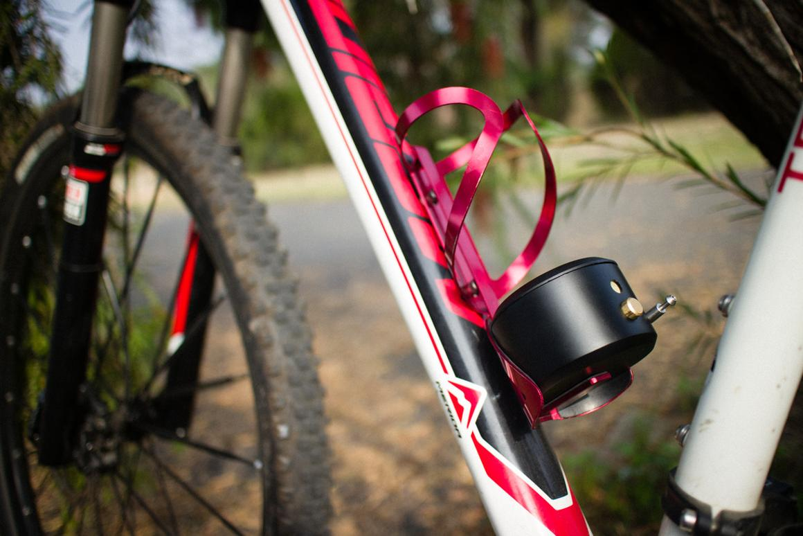 The Kadalock mounts on existing bottle cages – although you should check for compatibility before ordering