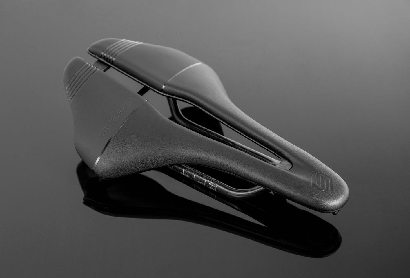 The Genus is flat, designed for riders who want to rotate their hips more easily