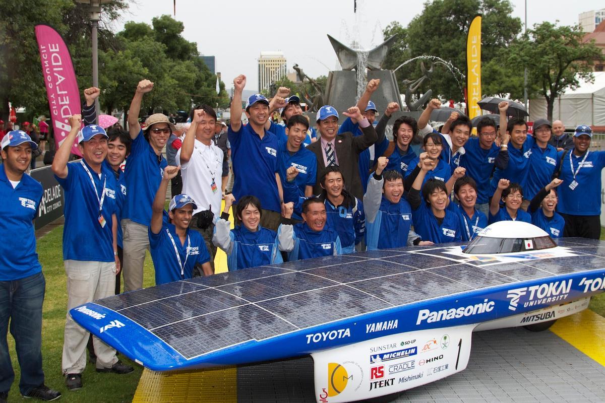The Tokai University Team has taken out the 2011 World Solar Challenge (Photo: Gizmag.com)