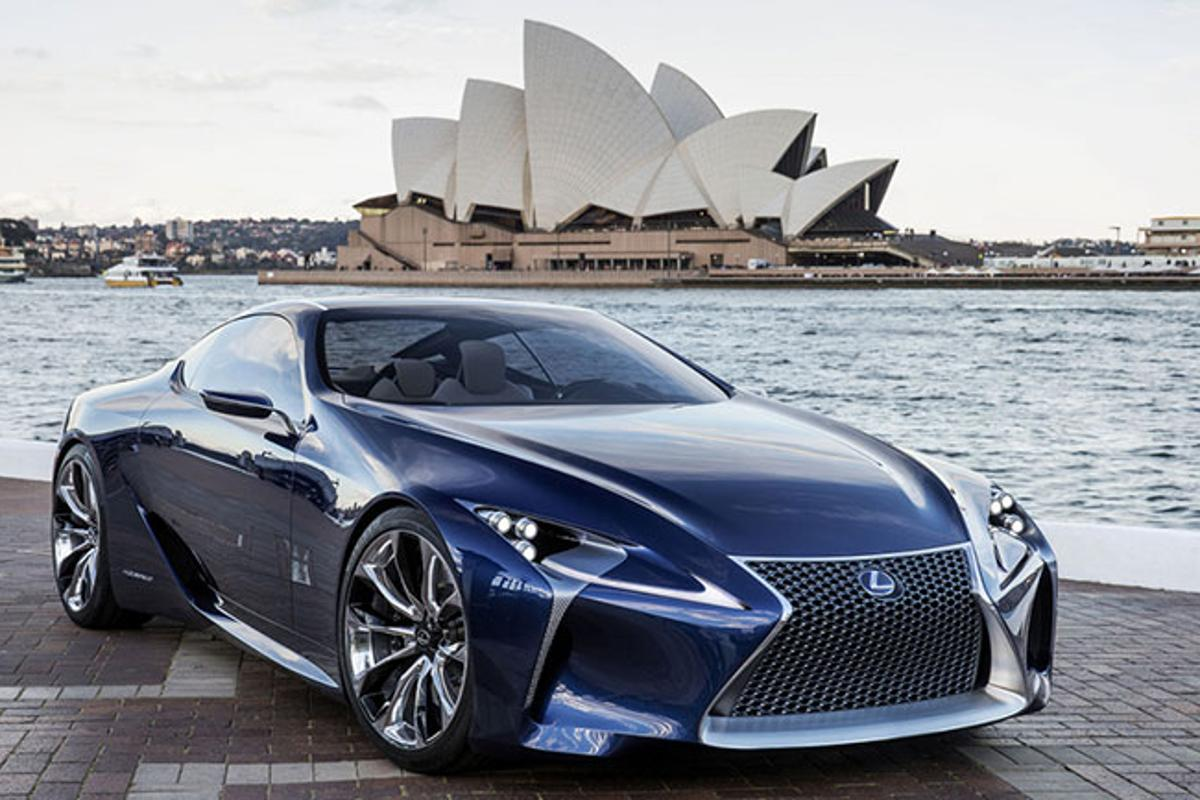 The Lexus LF-LC Blue concept vehicle in front of the Sydney Opera House
