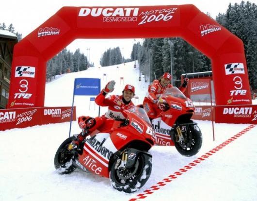 Loris Capirossi and Sete Gibernau with their new machinery