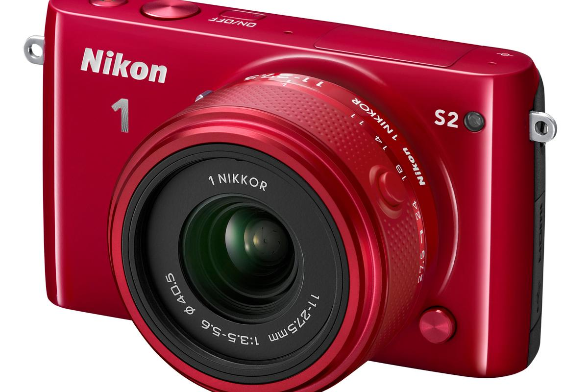 The Nikon 1 S2 can shoot at impressive speeds of up to 20 fps with continuous autofocus