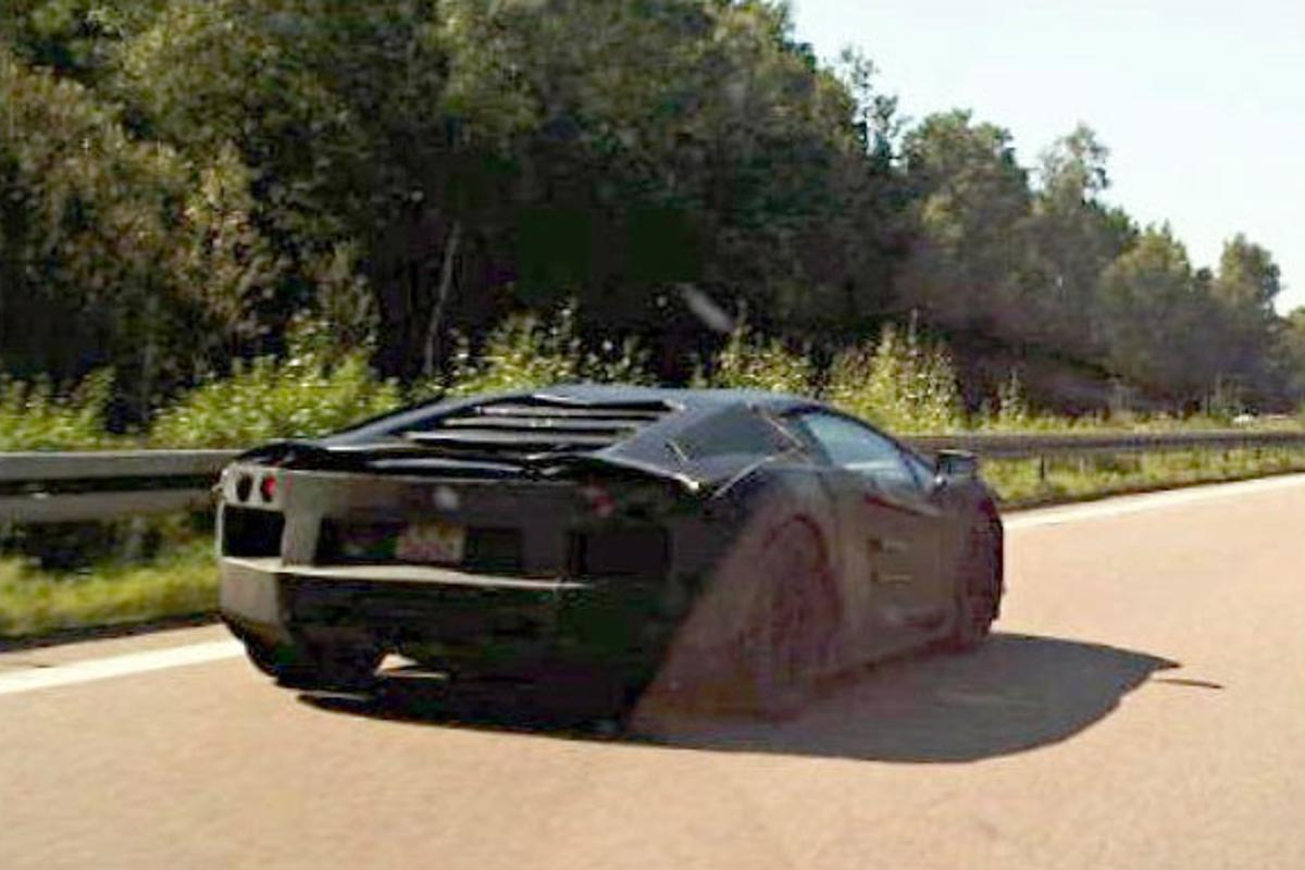 Chris-Adi's pic of the Lambo in testing on the autobahn at Top Speed.