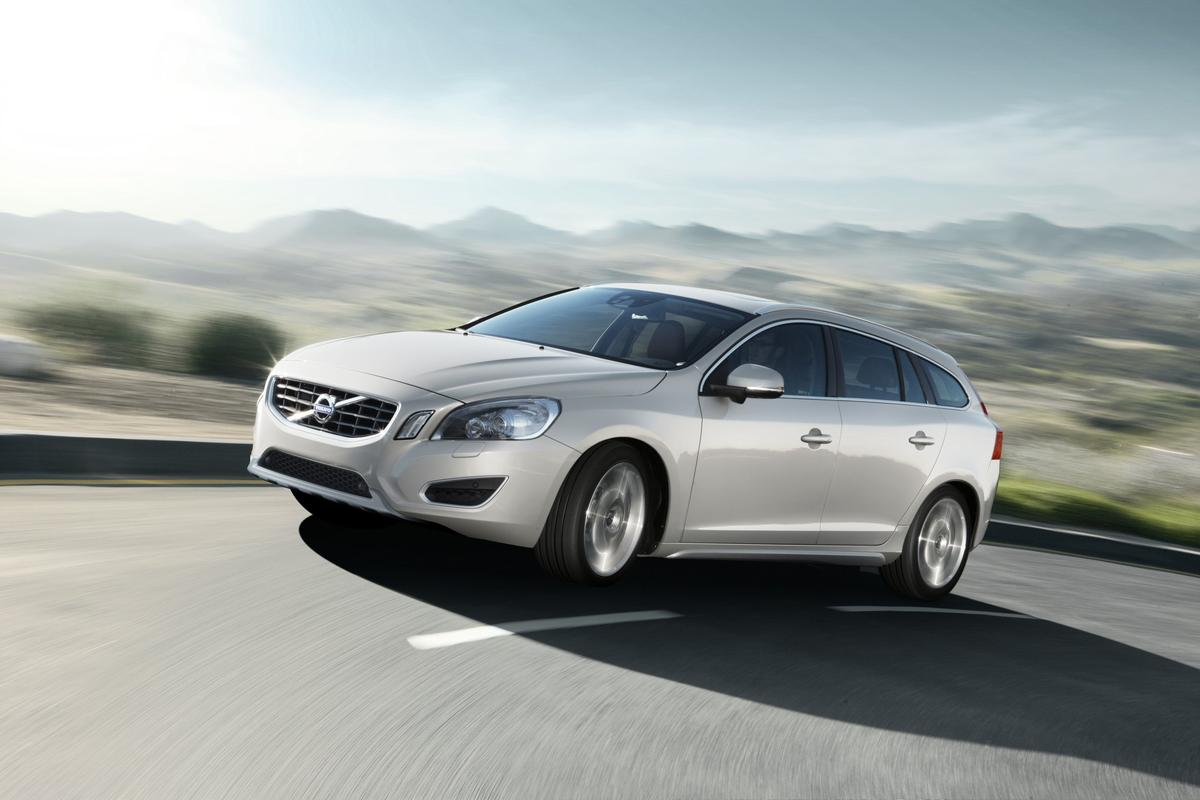 Volvo will unveil the V60 plug-in hybrid diesel at the 2011 Geneva Motor Show