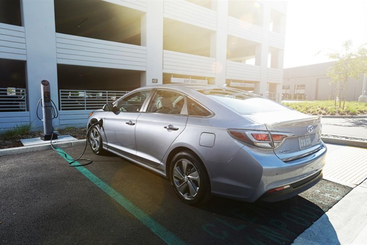 The Sonata PHEV economy numbers break down to 93 MPGe combined in EV mode, based on internal estimates