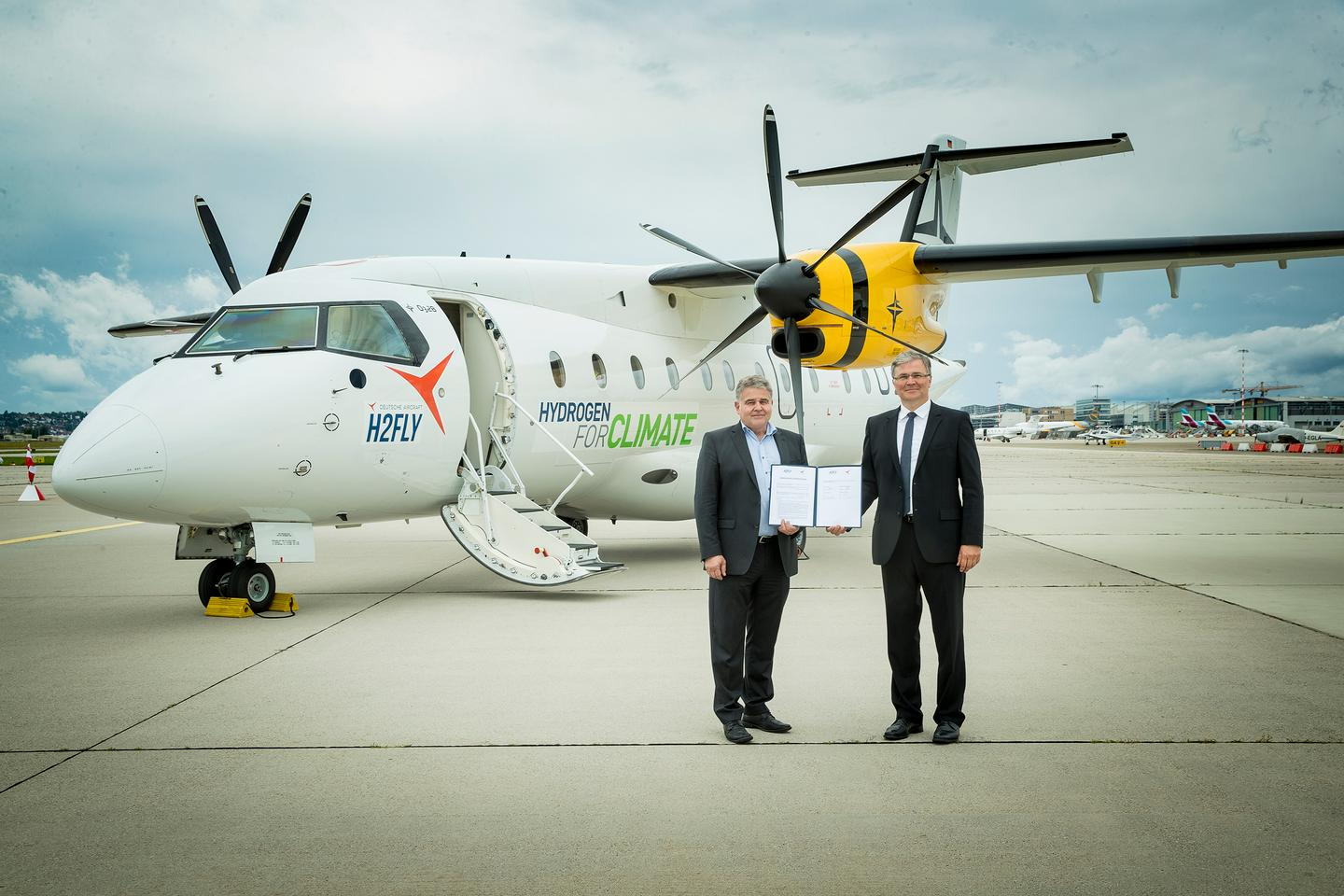 H2Fly and Deutsche Aircraft have signed a MoU to take this Dornier 328 and build it into a hydrogen-fuel-cell powertrain demonstrator