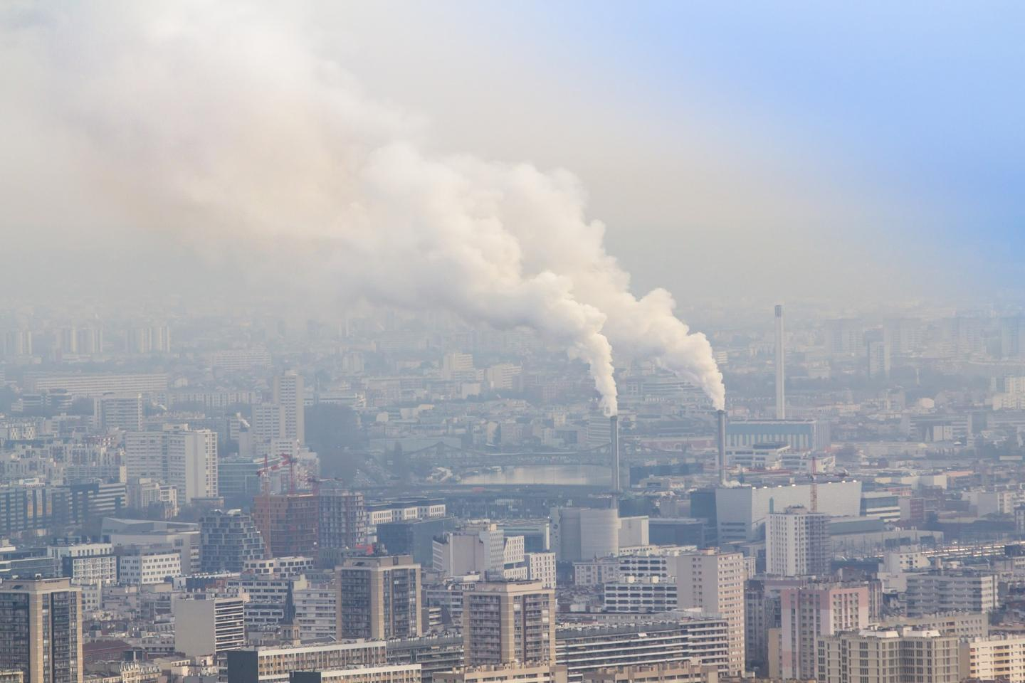 Air pollution and high temperatures pose a significant threat to vulnerable urban populations