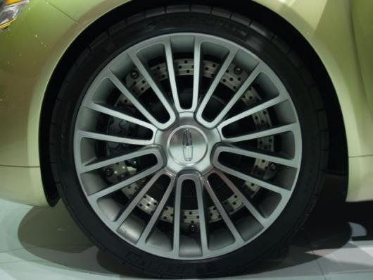 The 2009 Lincoln C Concept