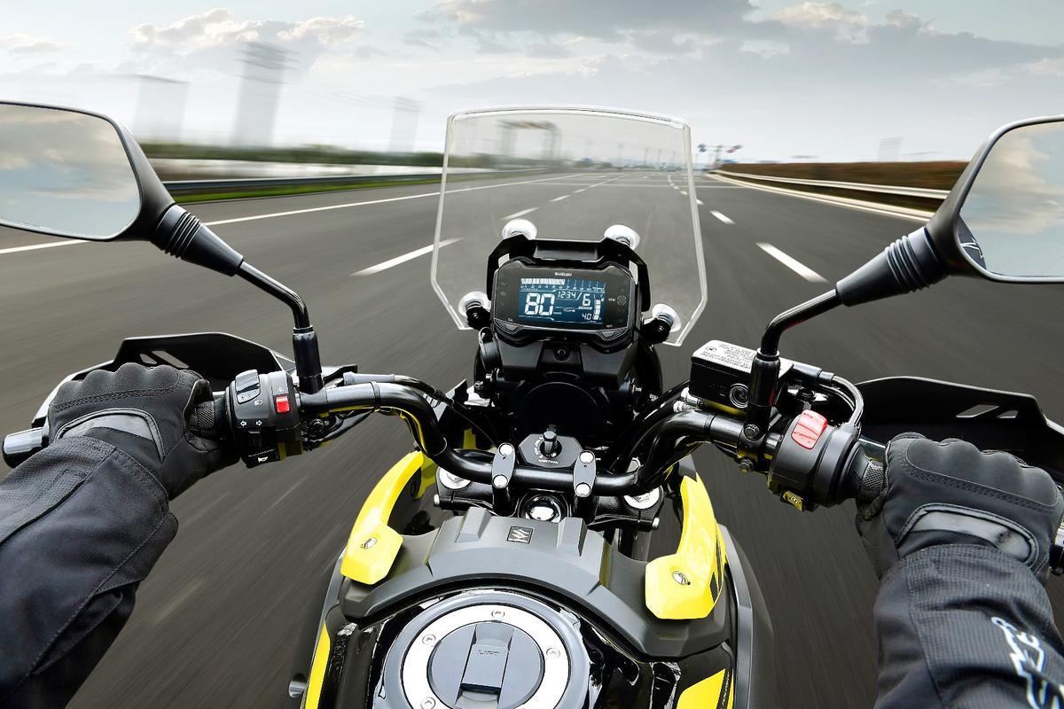 Suzuki V-Strom 250 ABS:on the road