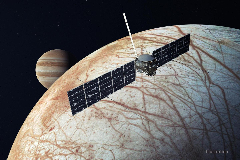 A render of Clipper in orbit around Europa