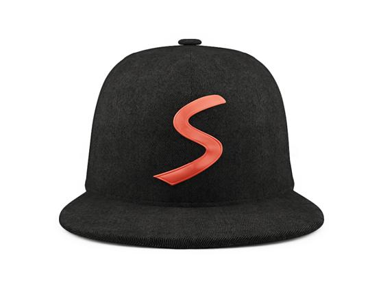 Snaptrax looks like your regular baseball cap, but integrates a Bluetooth module, microphone and speakers