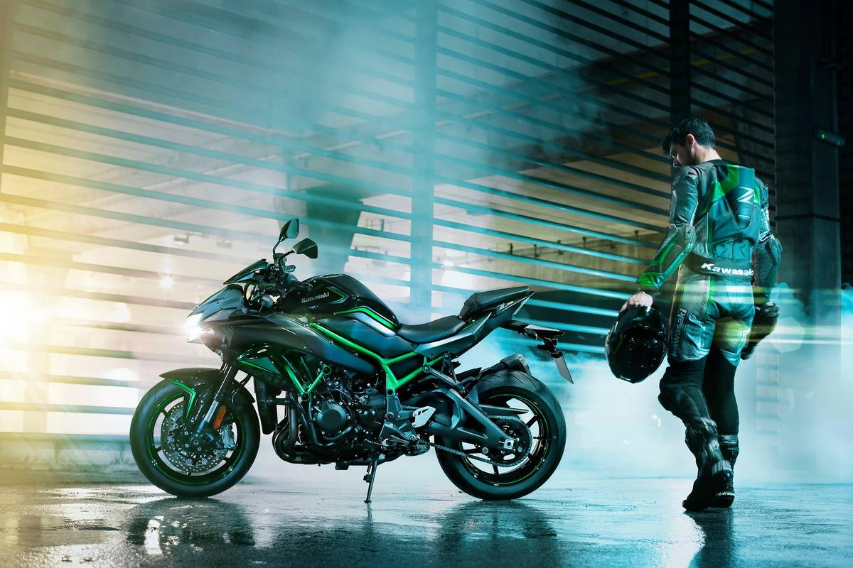 The supercharged Kawasaki Z H2 nakedbike: approach with caution