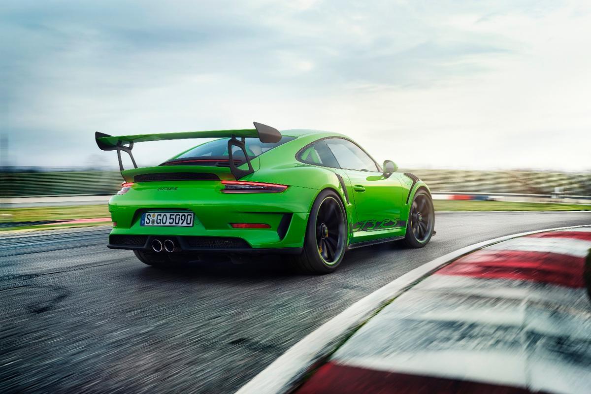2018Porsche 911 GT3 RS:520 horsepower of shouty, naturally aspirated flat 6