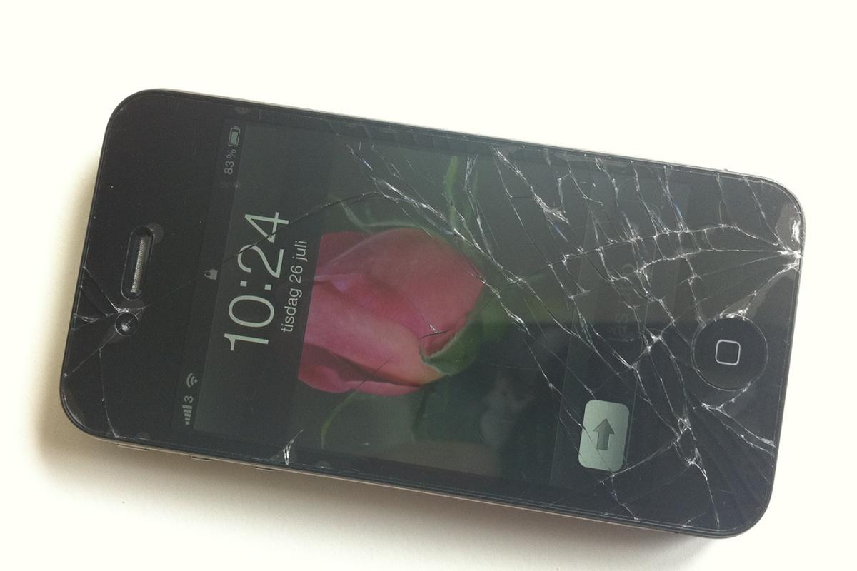 Apple's patent application could raise hopes that smashed iPhone screens may be consigned to the history books (Photo: Per Axbom)