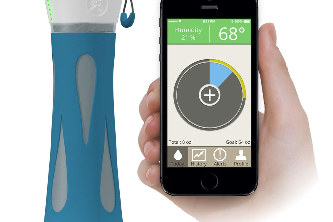 BluFit monitors water intake and sends alerts