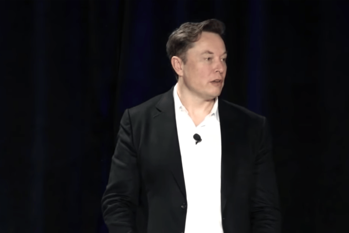 Elon Musk addresses investors at Autonomy Day