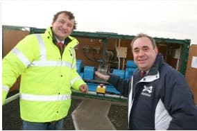 Scotland's First Minister Alex Salmond MP, MSP and Aquamarine Power CEO Martin McAdam at the official launch of Oyster