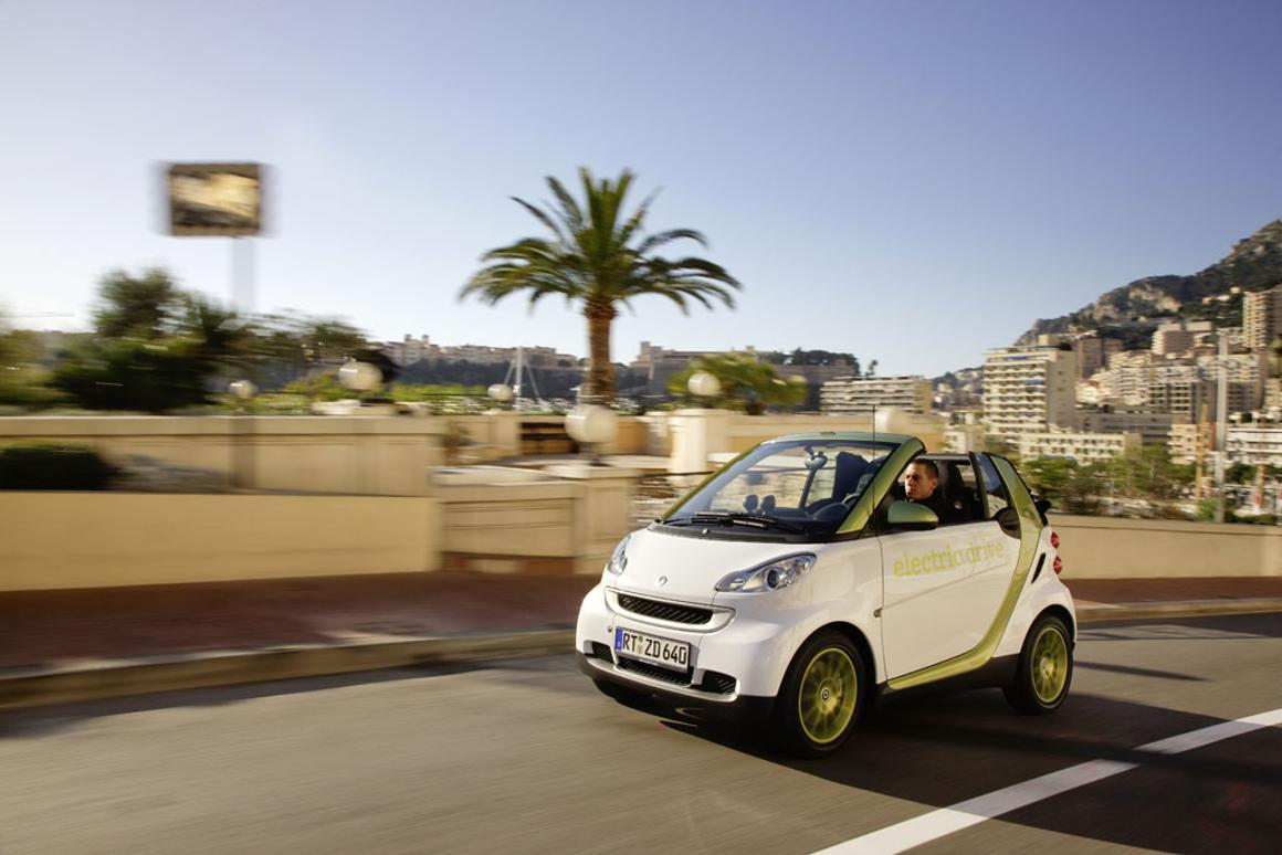 smart fortwo electric drive heads for U.S. and Canada