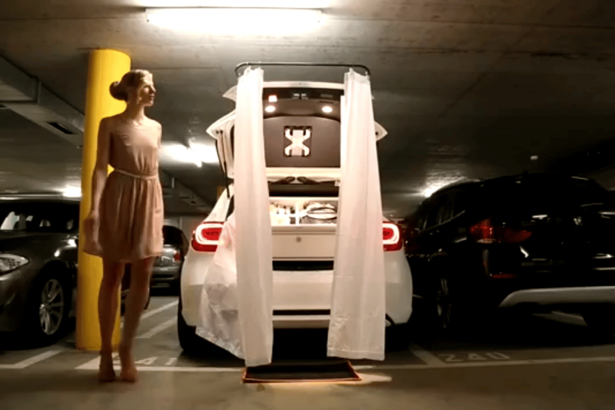 The Zalando Fashion Car converts into a changing room