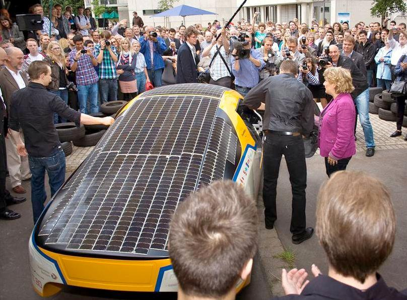 The SolarWorld GT at the start of its round-the-world drive