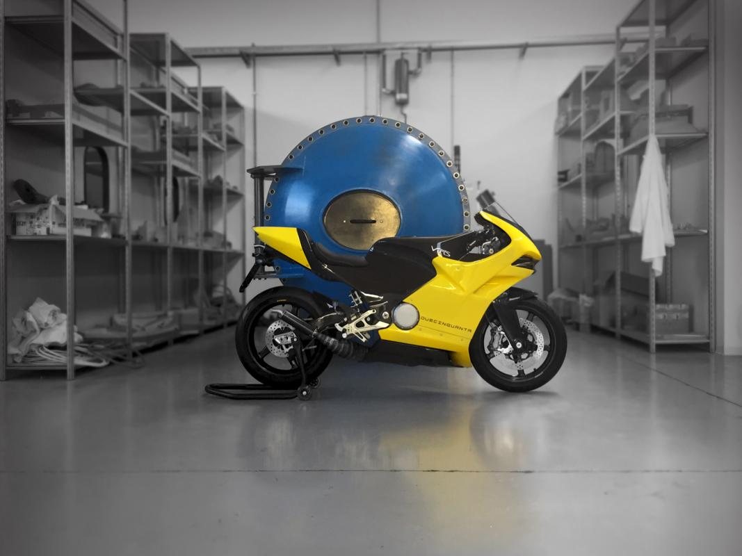Vins Duecinquanta:with a curb weight of just 95 kg, this thing will dance through the corners