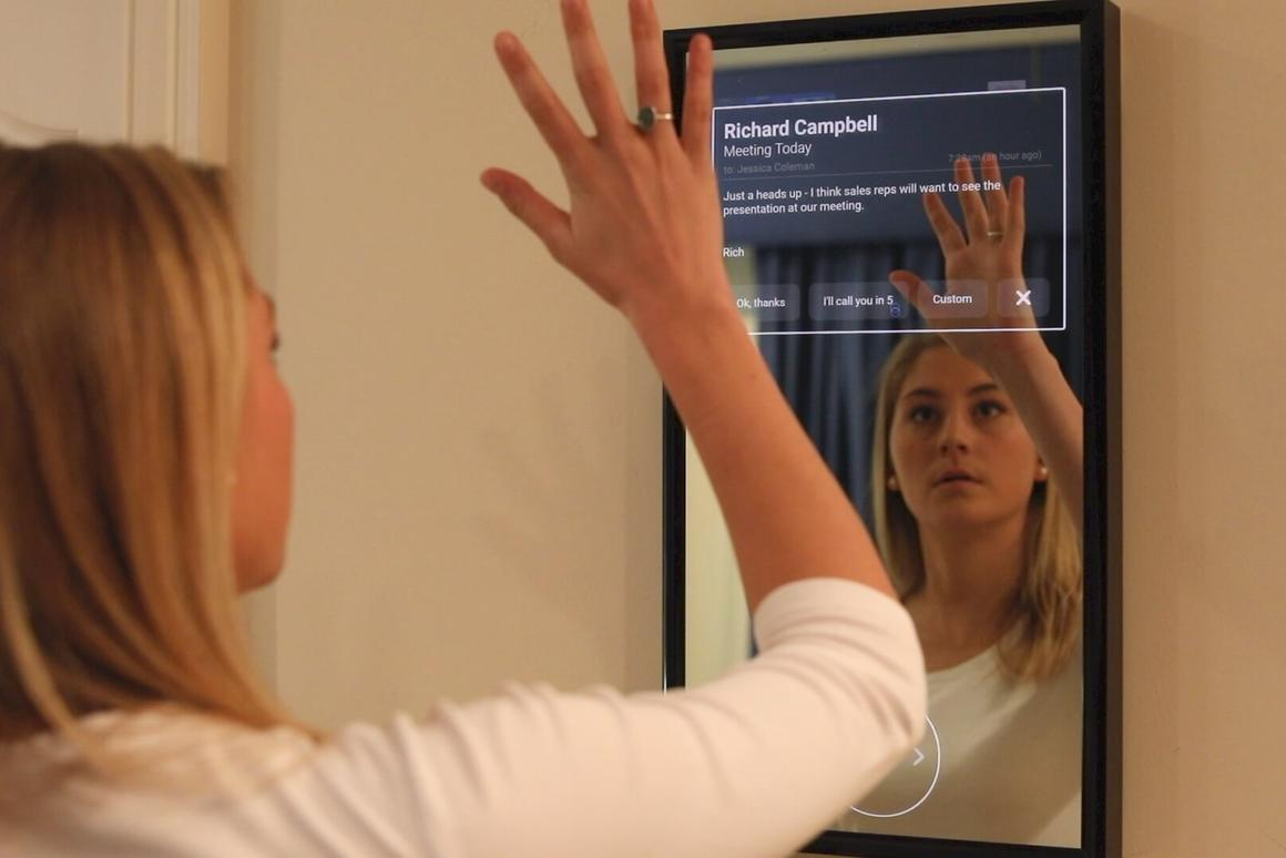 The Daptly Displayfeatures gesture control