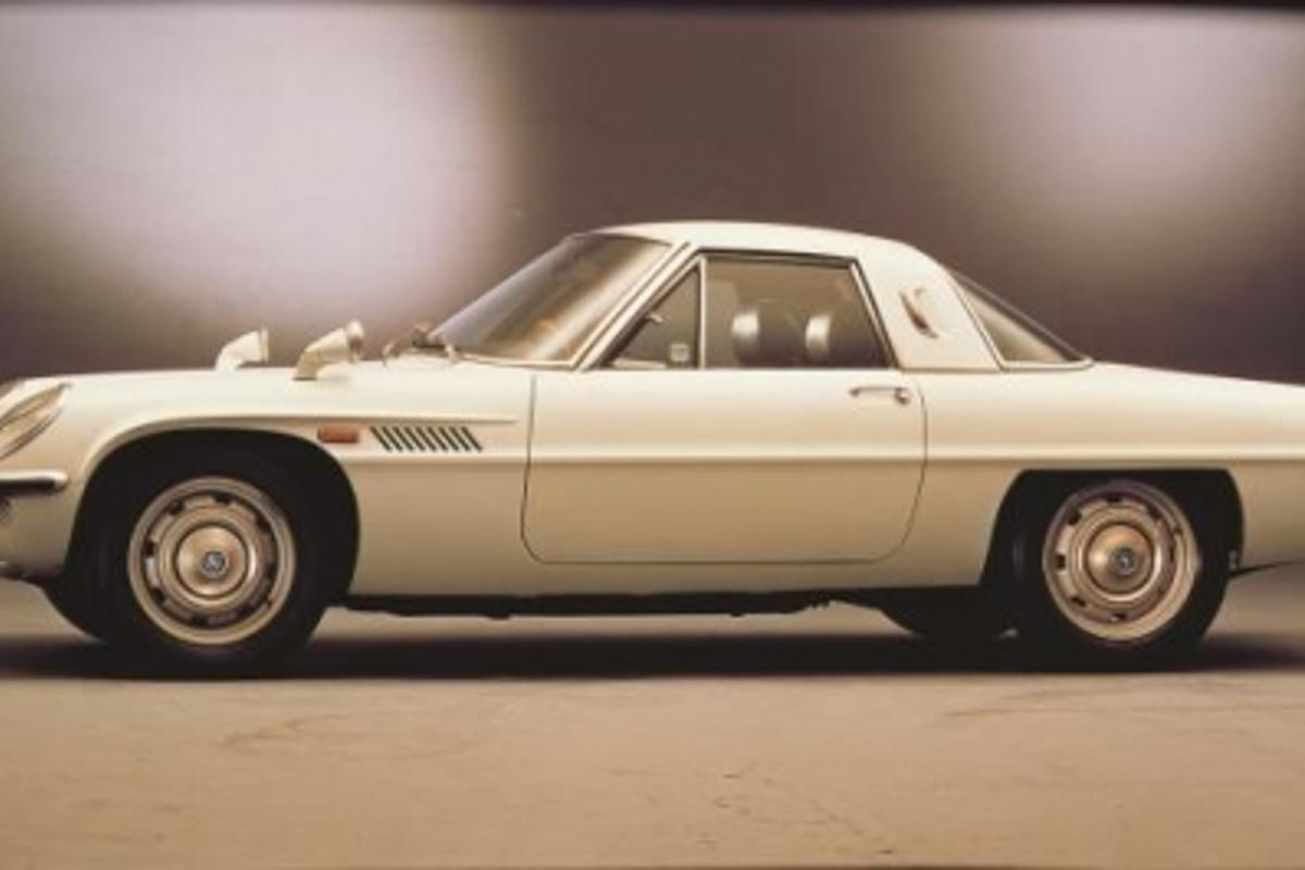 The world's first dual-rotor RE car, the Cosmo Sport