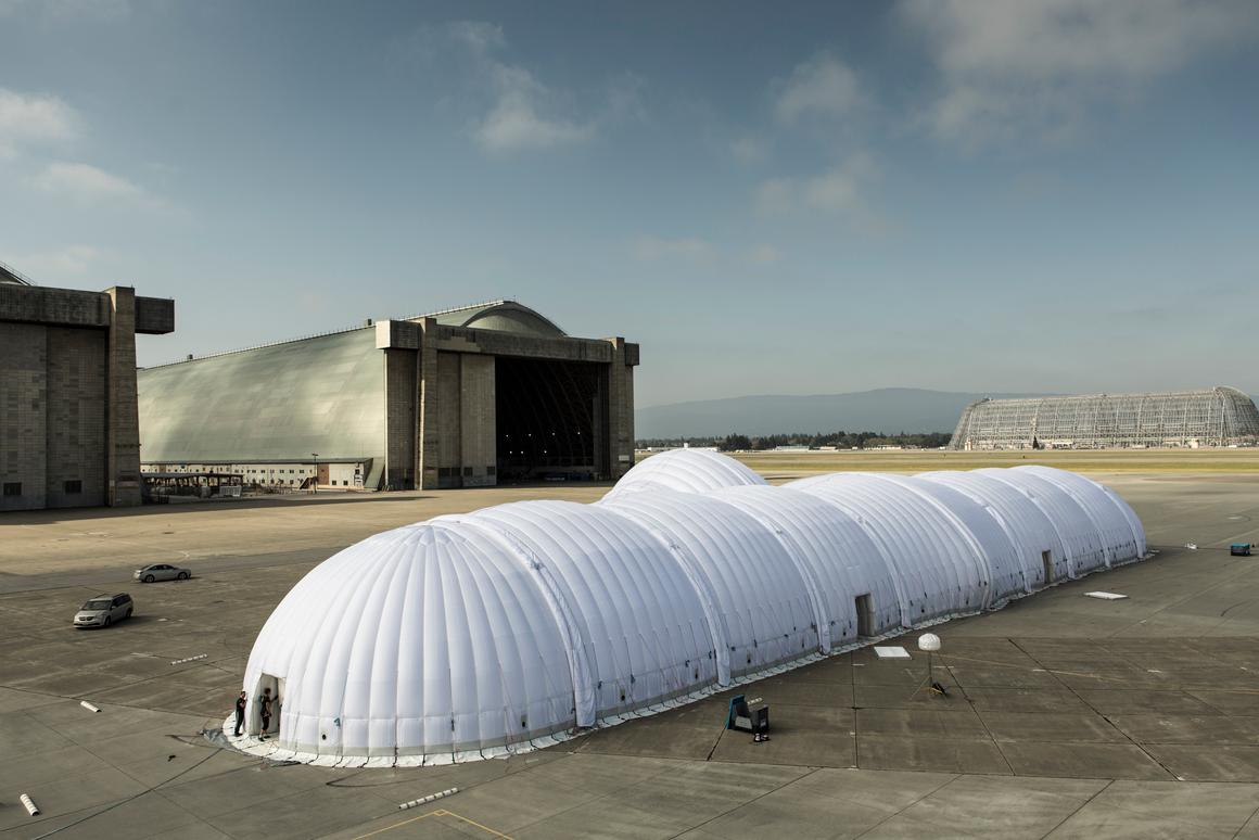 The inflatable hangar deployed for the first time to house the Solar Impulse in St. Louis (Photo: © Solar Impulse | Ackermann | Rezo.ch)