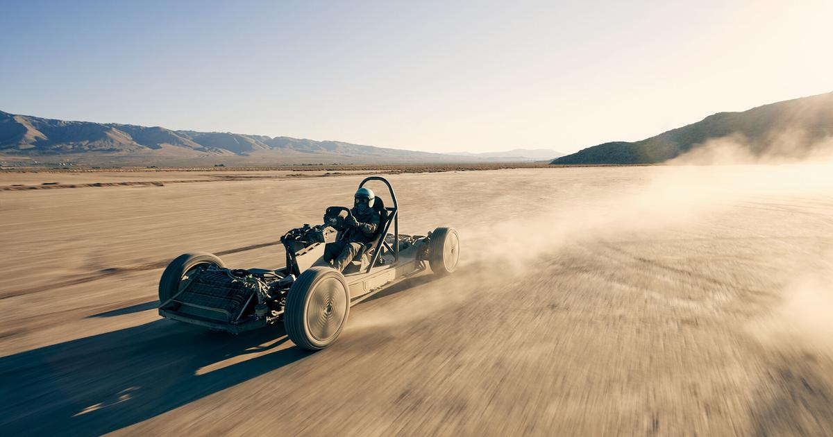 """Canoo goes desert warrior with stripped electric """"skatekart"""""""