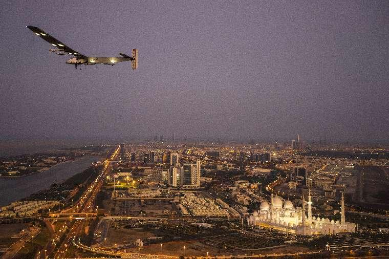 Solar Impulse 2 on a test flight over Abu Dhabi earlier in the month (Photo: Solar Impulse)