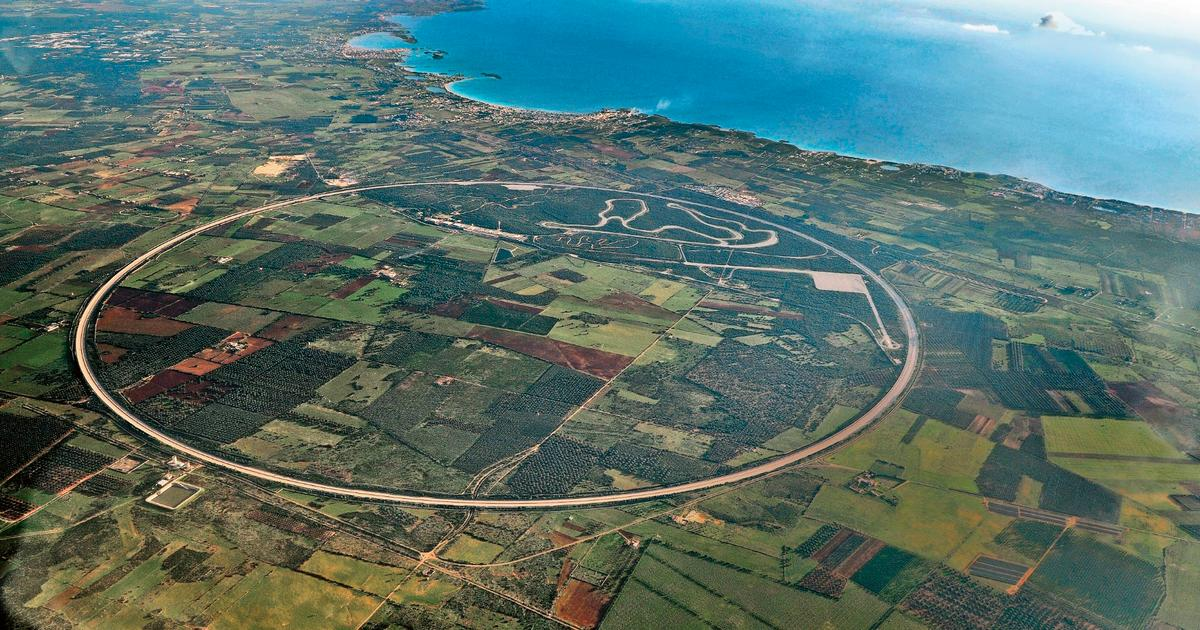 Porsche's circular 12.6 km (7.8 mile) Nardò test track reopens