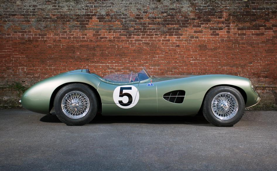 The replica features a bespoke tubular space frame chassis, a Limited slip differential to maximize power, adjustable coil over suspension and all round disc brakes (Image: Richard Pardon)