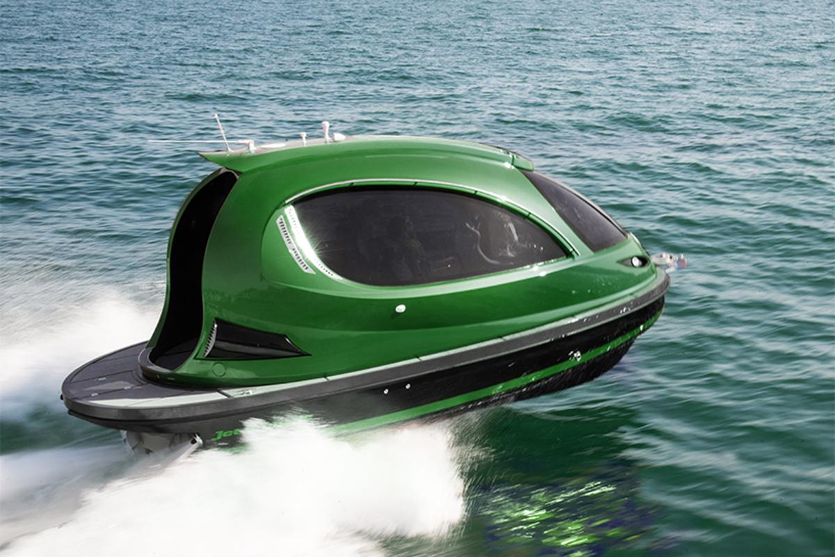 The new Reptile is a lighter and faster version of the Lazzarini-designed Jet Capsule