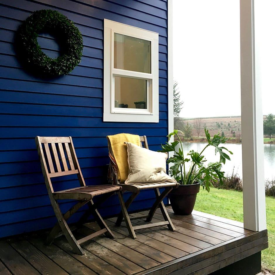 The Vintage Glam has a small porch outside