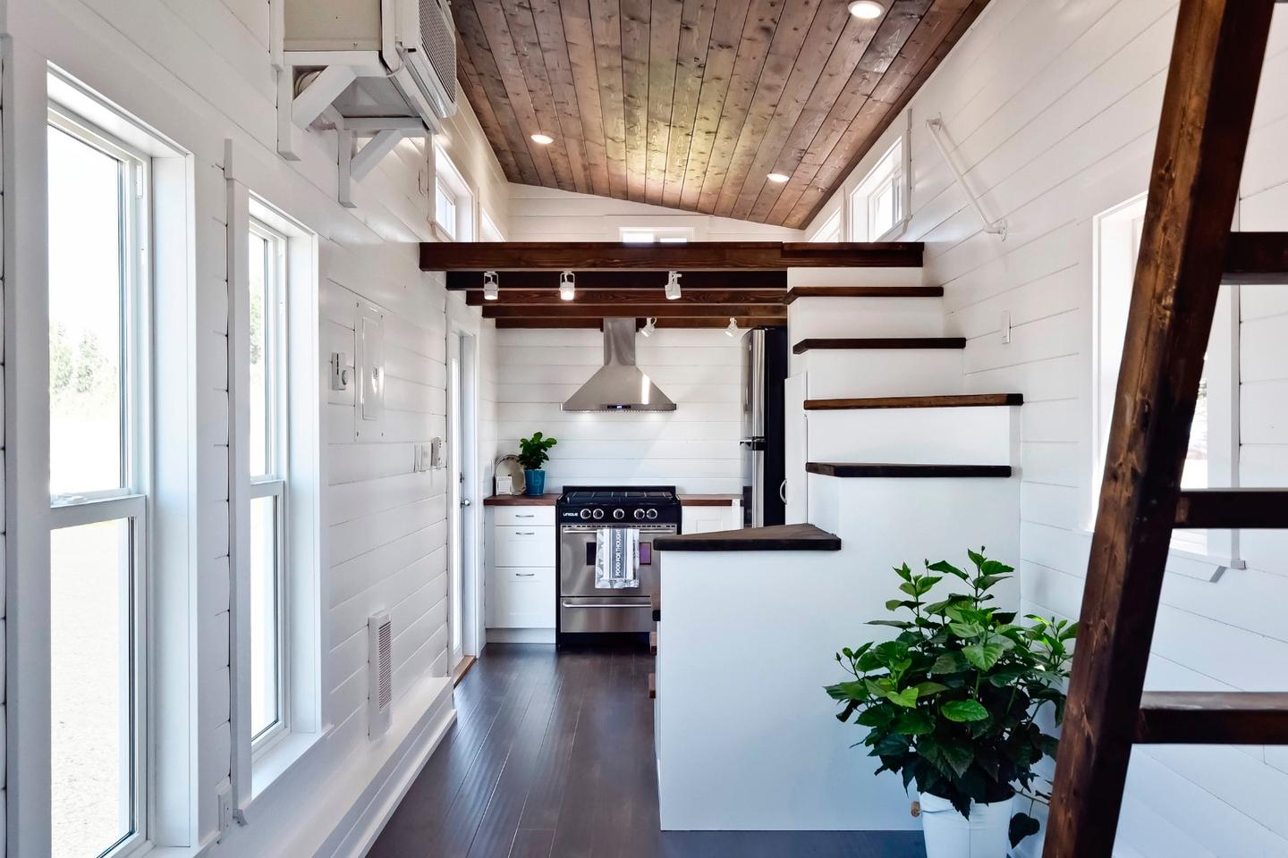 The interior of the home comprises a total floorspace of 326 sq ft (30 sq m), which is pretty big for a tiny house