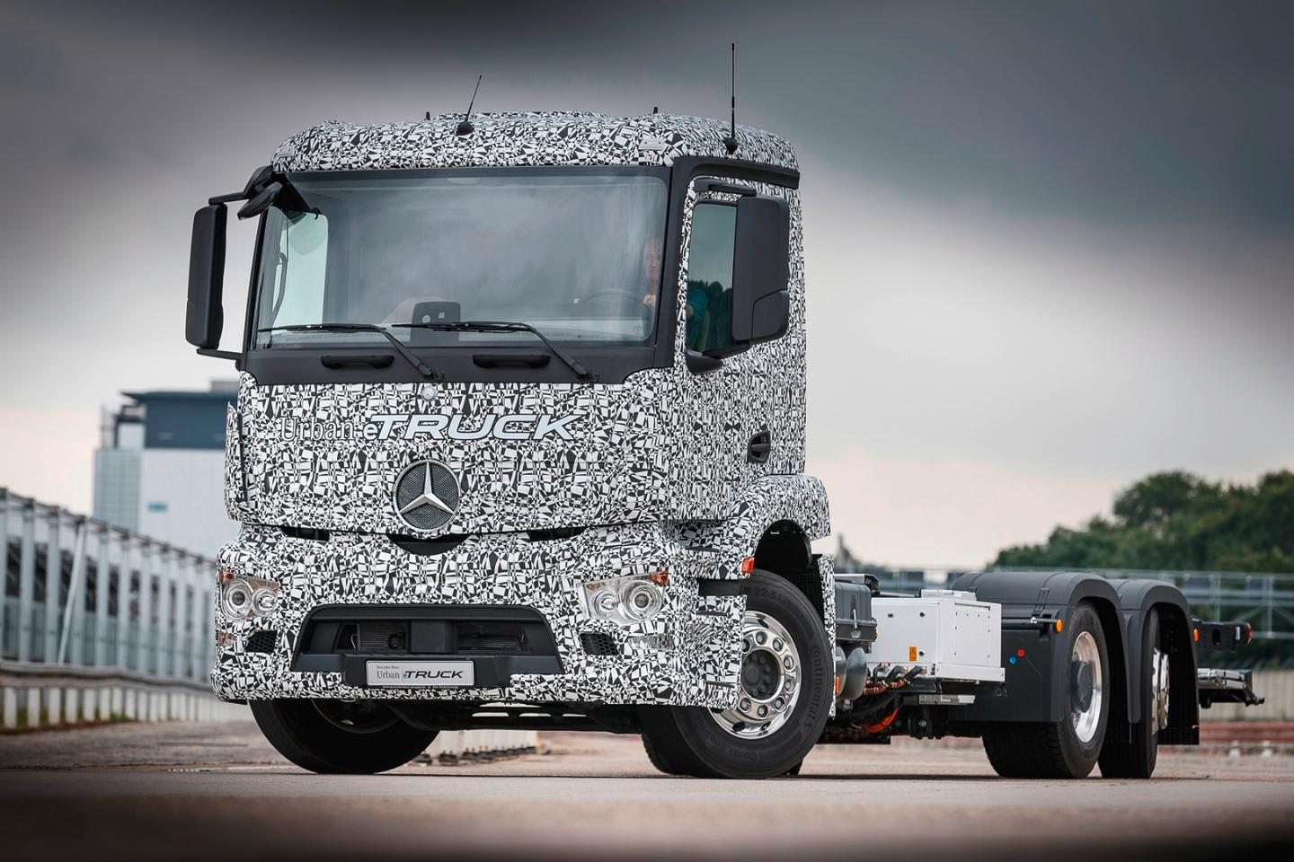 The Urban eTruck is based on a heavy-duty, three-axle short-radius Mercedes-Benz distribution truck
