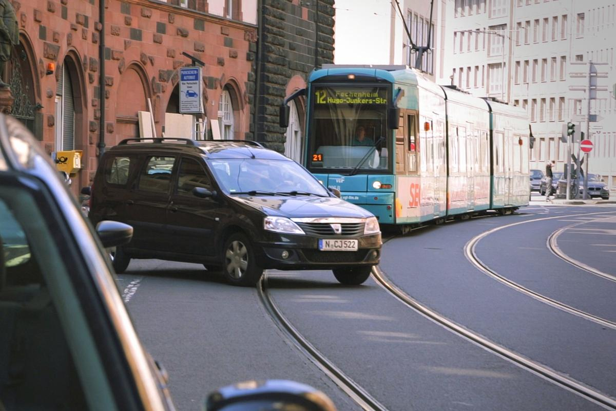 The system has been approved for use in public transportation by the German state of Hesse and is being fitted to trams in Frankfurt now