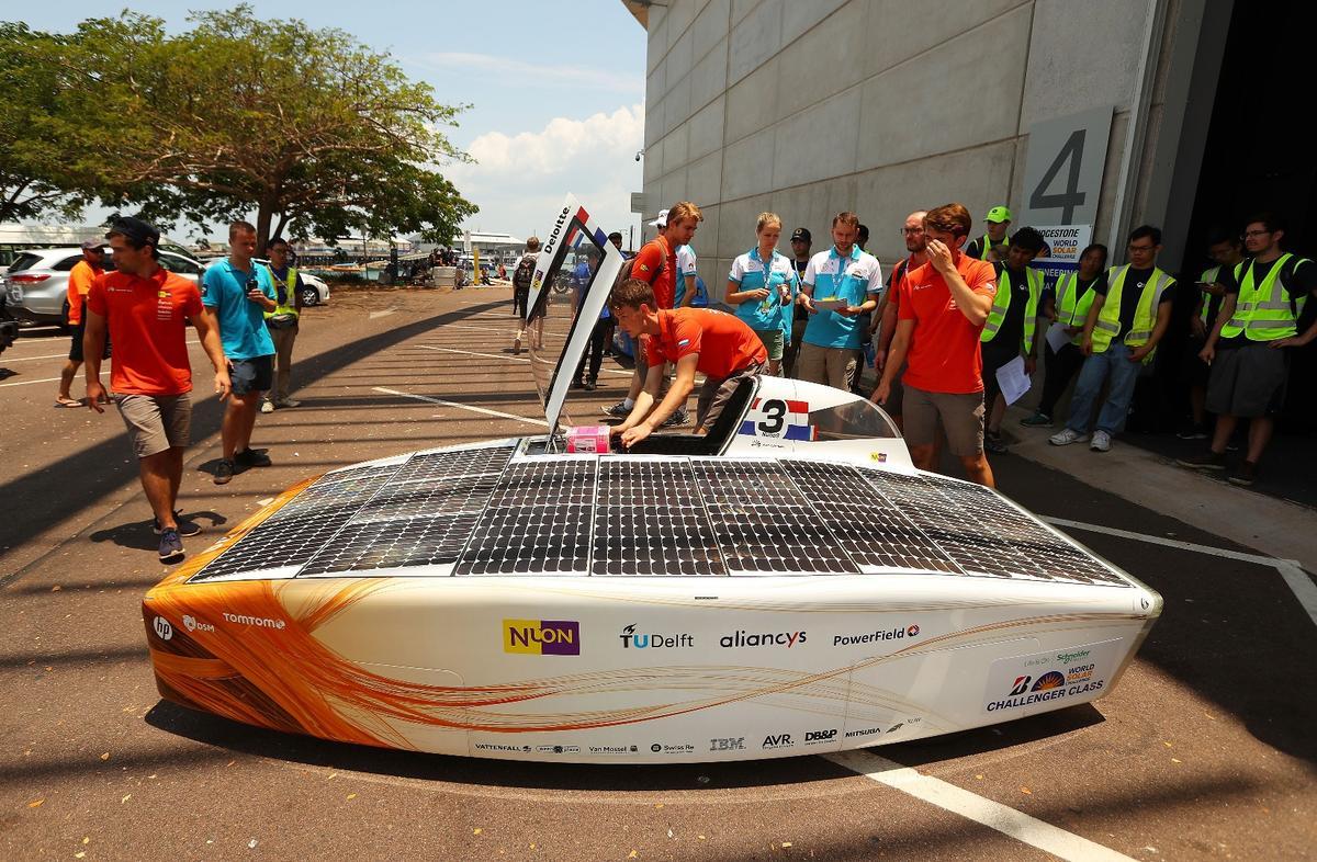 Members of the Nuon Solar Team tend to their Nuna9 solar car