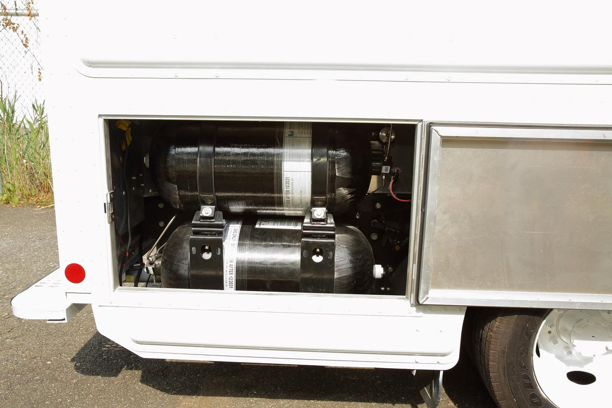 Hydrogen storage on the Workhorse EGENwith Plug Power additions adds about 160 percentto the range of the van