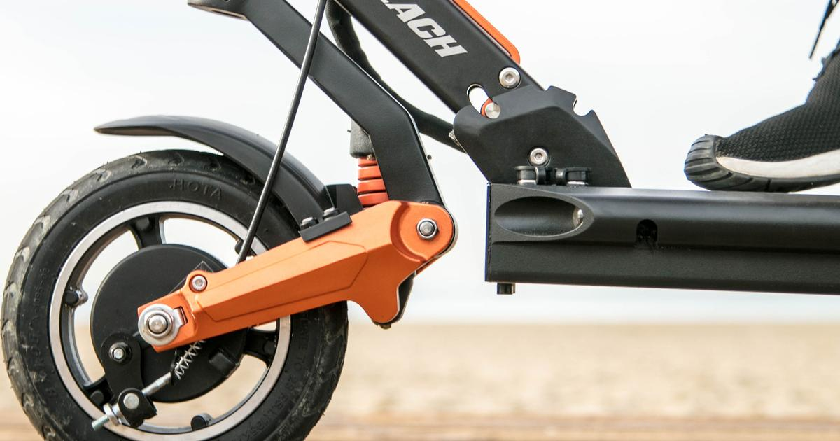 Smooth-riding e-scooter features full suspension system