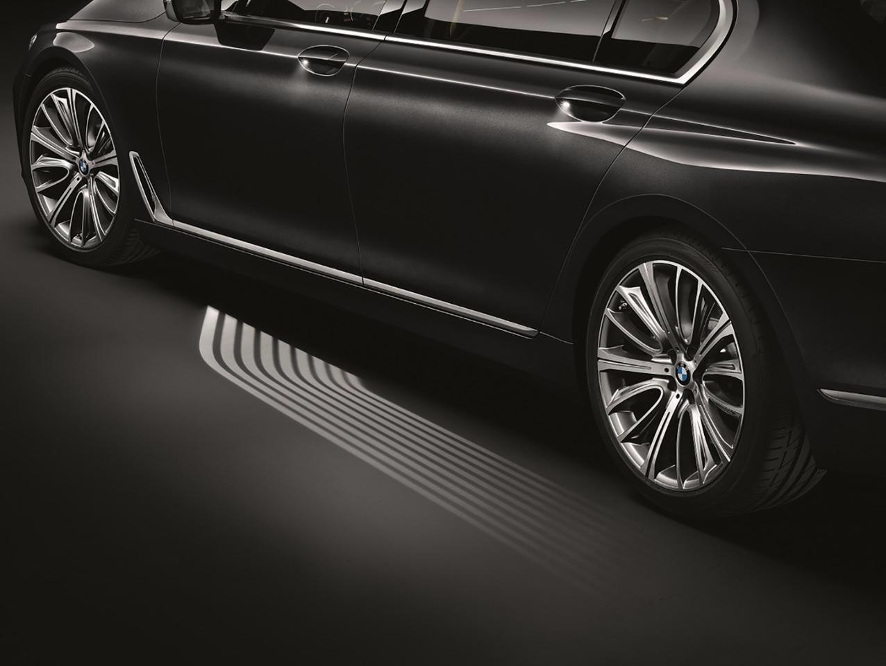 Microlenses project light onto the entry area of the new BMW 7 Series