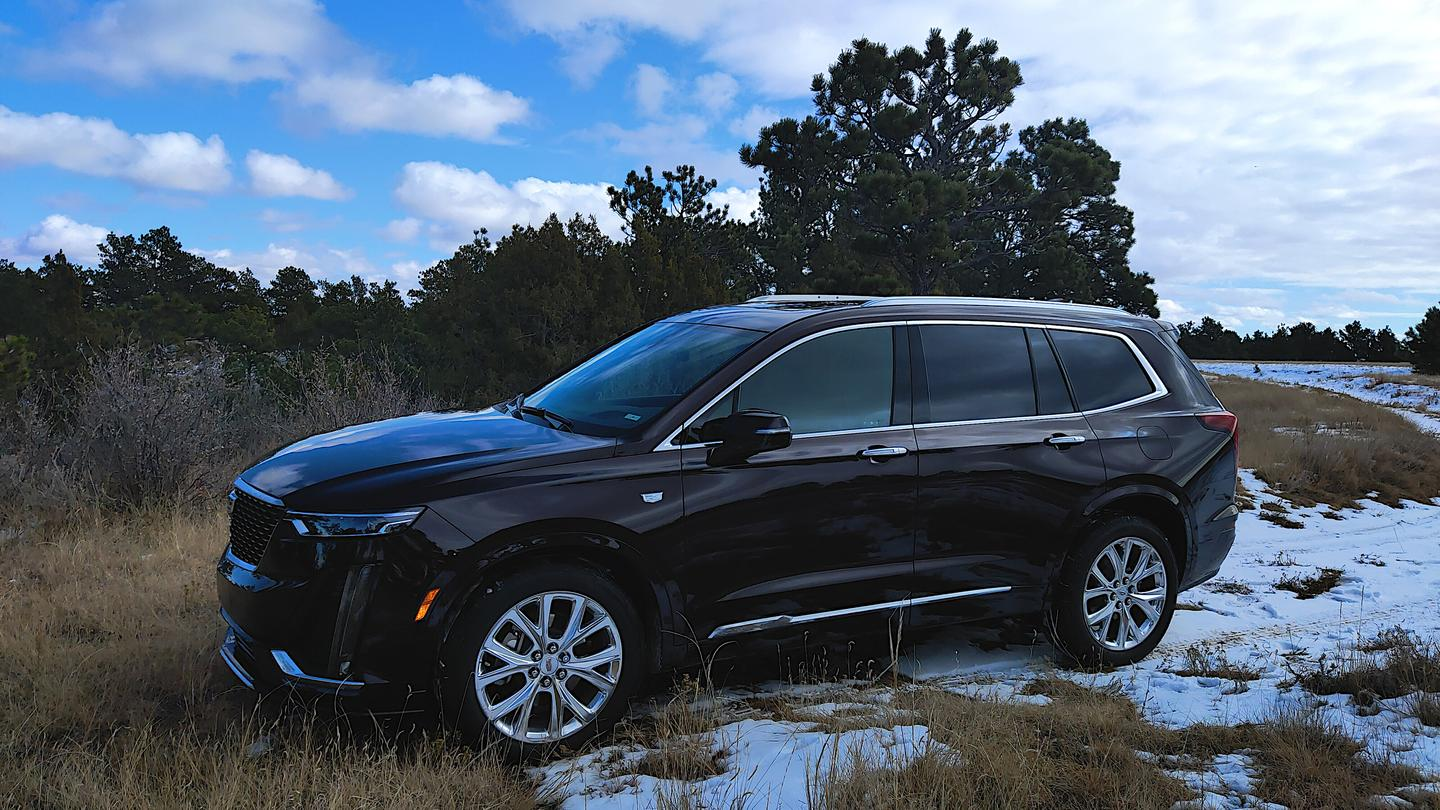 The Cadillac XT6 blends into the luxury crossover crowd, doing little to differentiate with its exterior