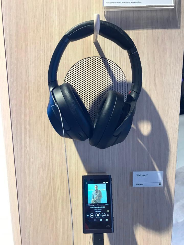 We briefly tried Sony' WH-1000XM3 headphones at IFA 2018 and found that simulated street sounds and booth noise were significantly reduced