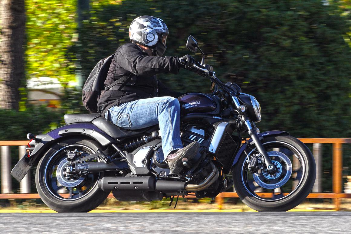 Review Kawasaki Vulcan S Cruises Affordably In Style