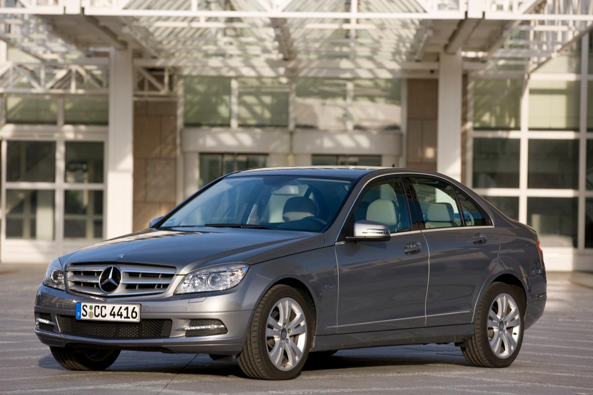 The Mercedes-Benz C 200 CGI Blue EFFICIENCY has reduced its fuel consumption but boosted power