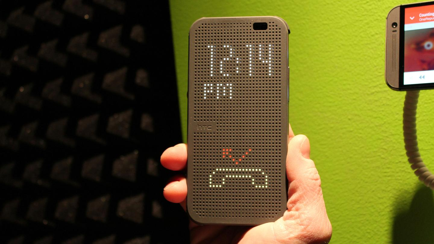 The Lite-Brite-like Dot View case for the One M8