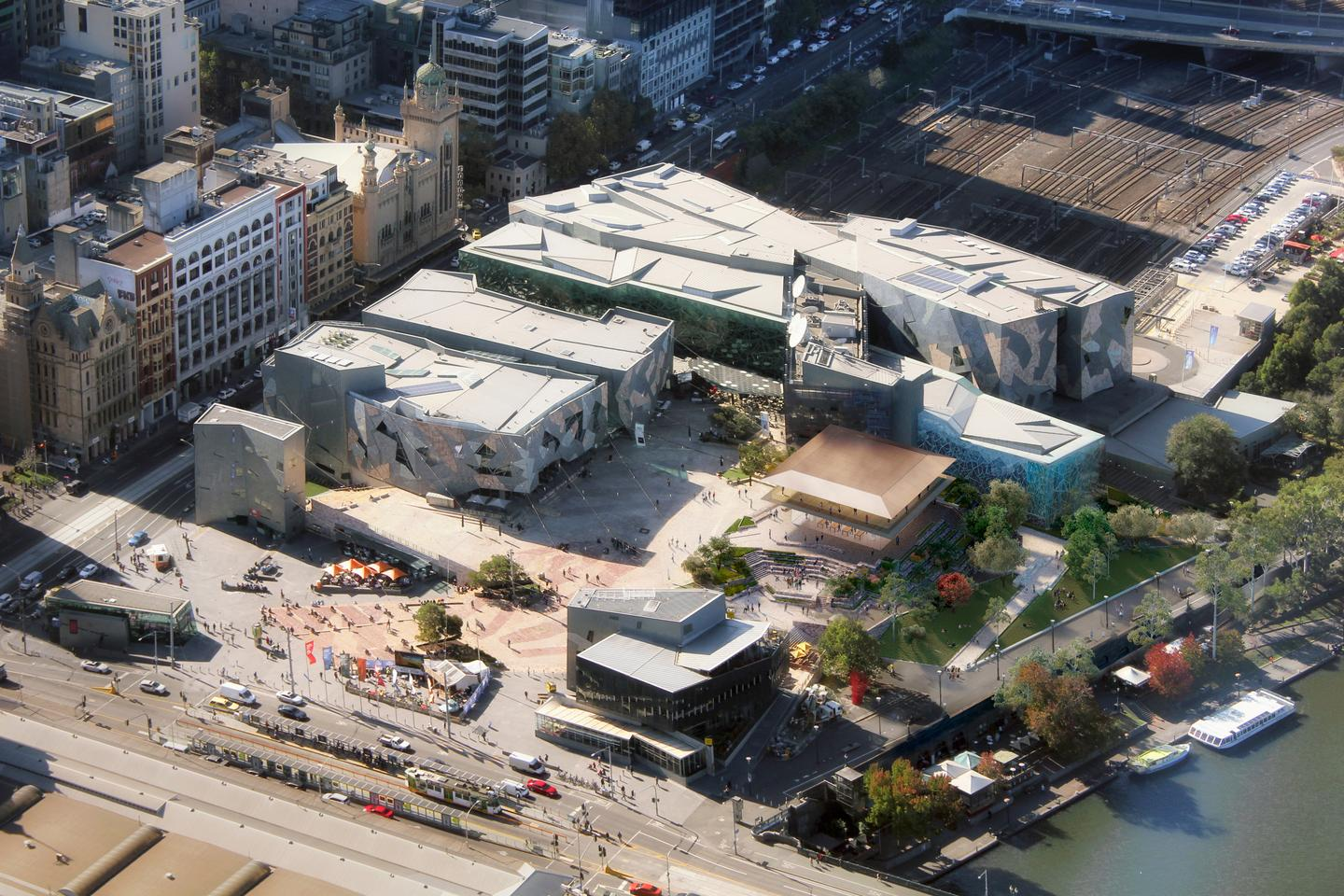 For what its worth, the Victorian government says the Apple FederationSquare storewill open up almost 500 sq m of public space along the riverside