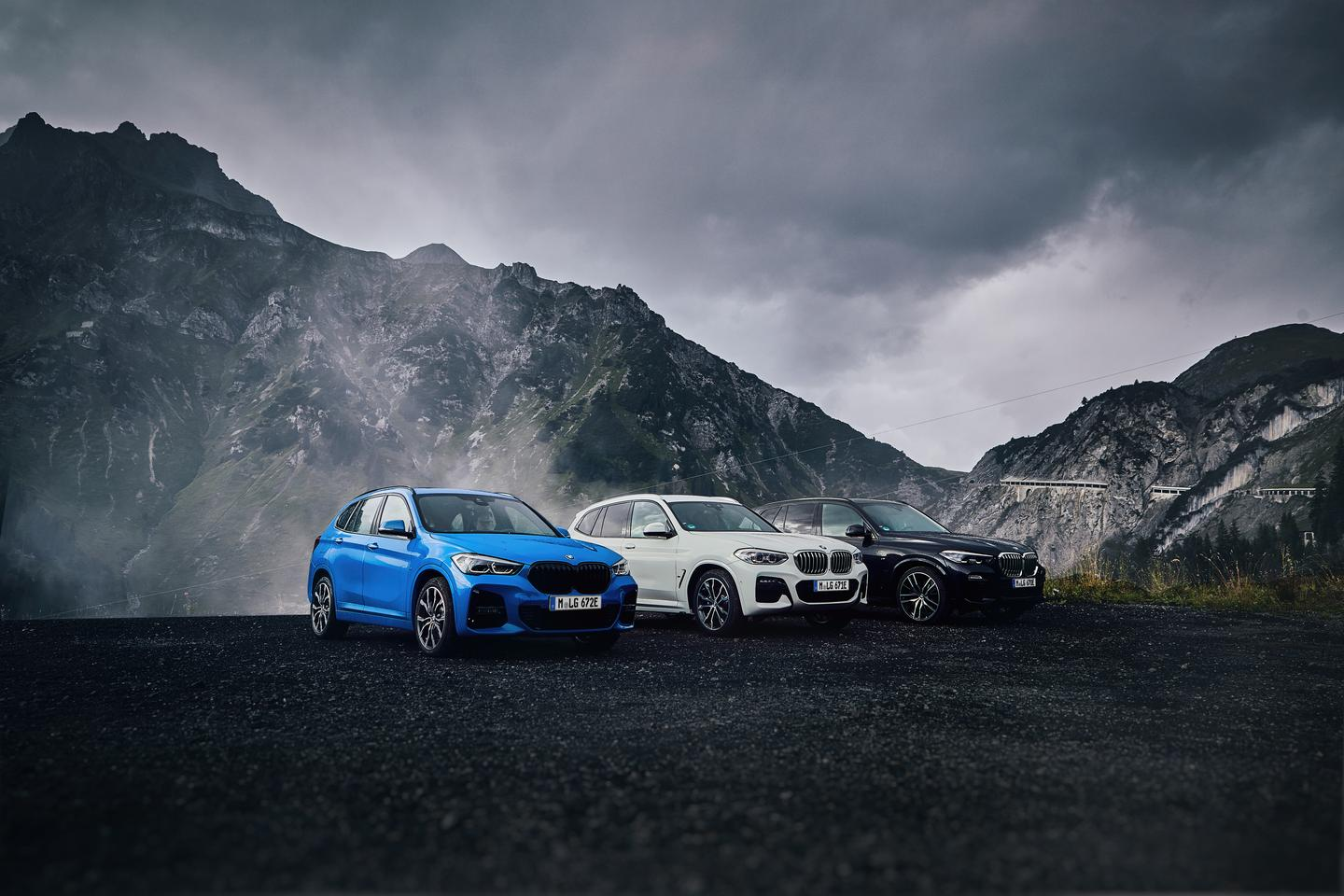 The full lineup of 2020 BMW X3 models, with the X3 Hybrid in white