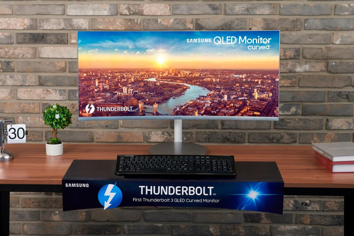 Samsung is launching three new curved QLED monitors, including a model with built-in Thunderbolt 3 ports