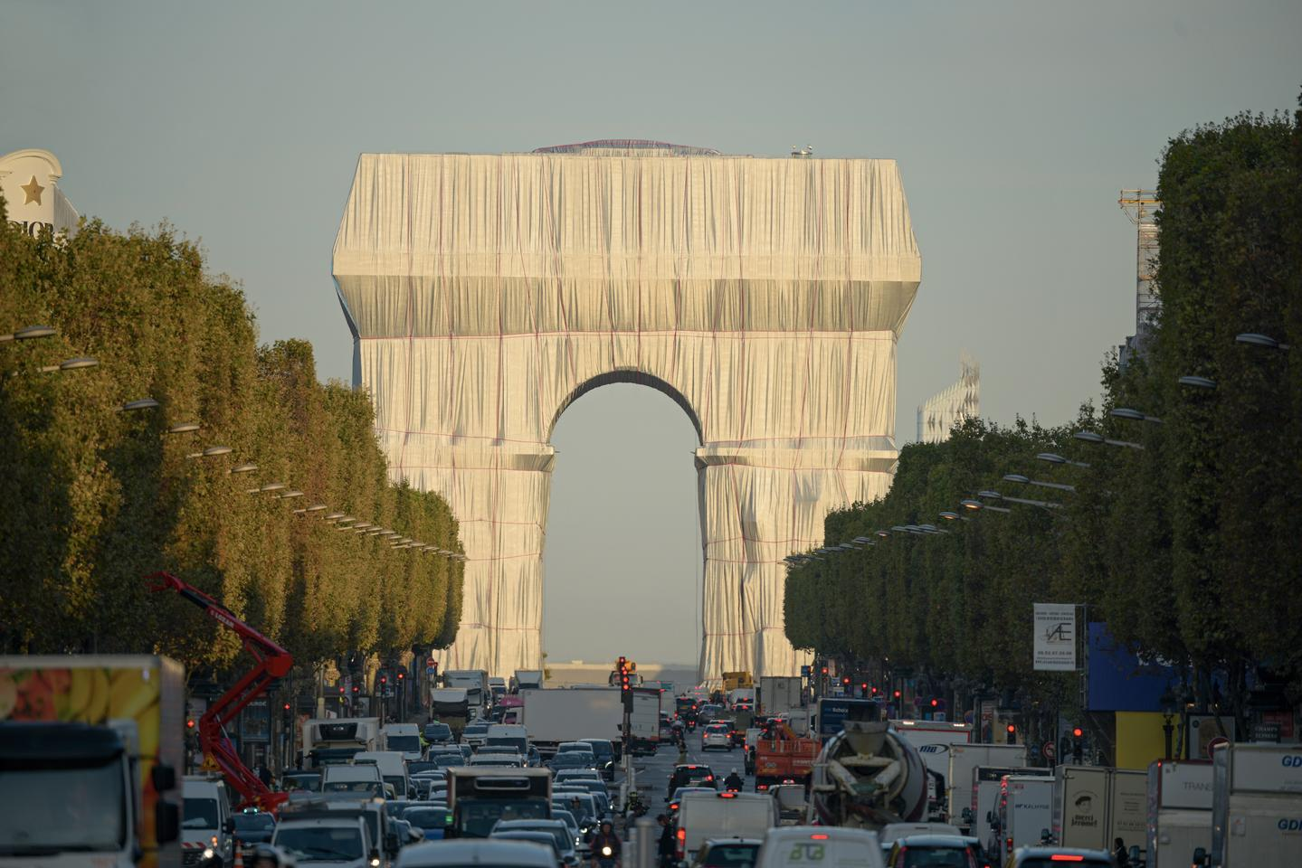 L'Arc de Triomphe, Wrapped is open from Saturday, September 18 to Sunday, October 3, 2021